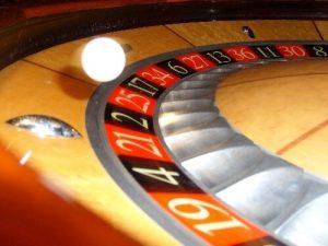 Roulette wiel met afgeronde pockets