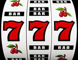 Slotmachine wiel met lucky 7 en 3 bars